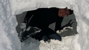 Ryosuke builds an Igloo in the front yard of his homestay.